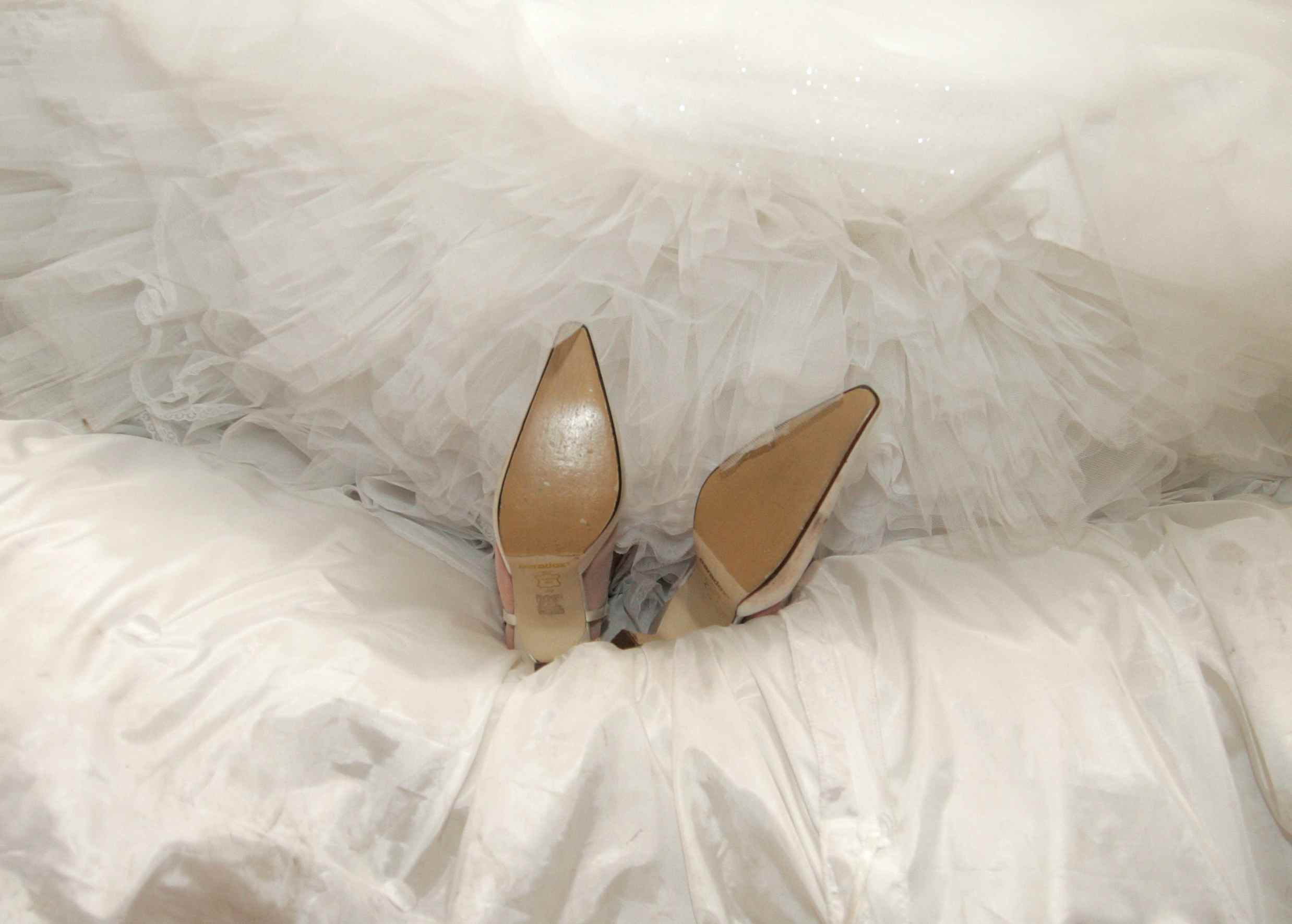 wedding dress feet